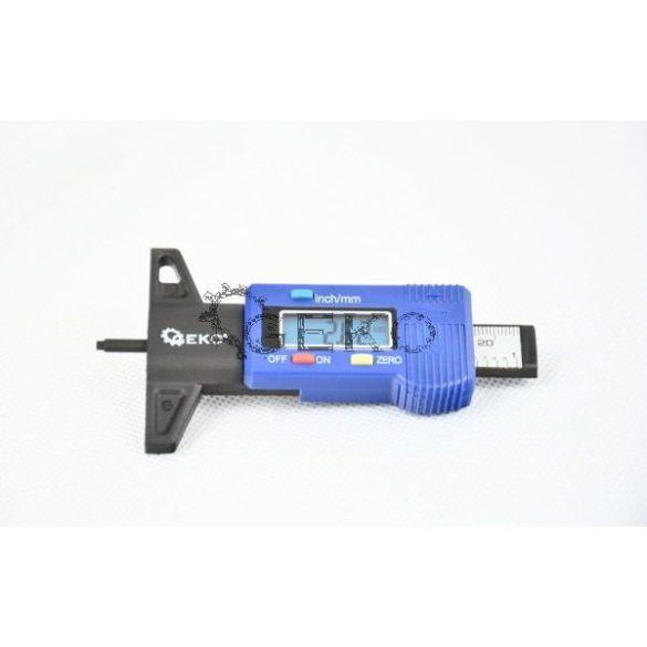 Gumiabroncs mélységmérő digitális